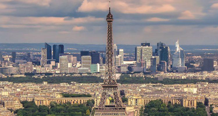Met een prive jet naar Parijs